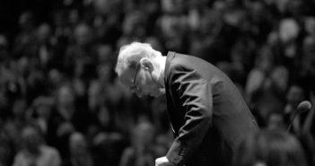 Ennio-Morricone-conducting
