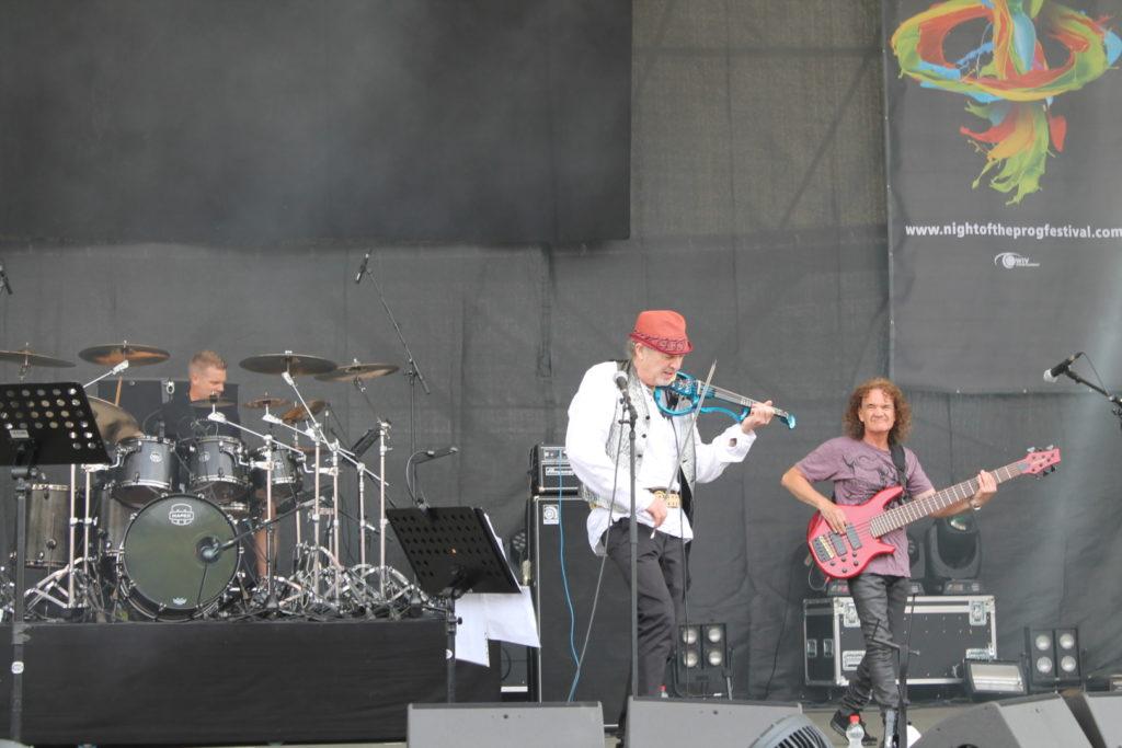 Craig Blundell, Mick Paul & David Cross (David Cross Band)